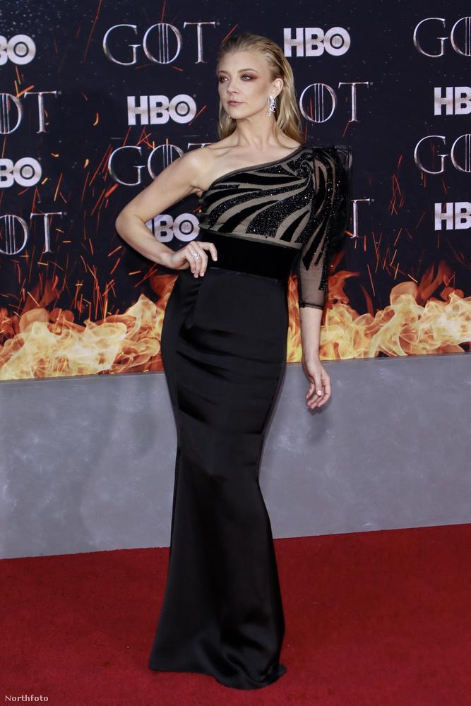 Hogy például valami csoda folytán Natalie Dormer karaktere, Margaery Tyrell visszatér-e, azt nem tudni.