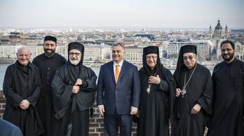 Egymilliárdot ad Orbán a szír katolikusoknak, hogy csökkenjen a migrációs nyomás