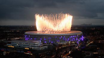 Lenyűgöző stadionnal és győzelemmel nyitott új korszakot a Spurs