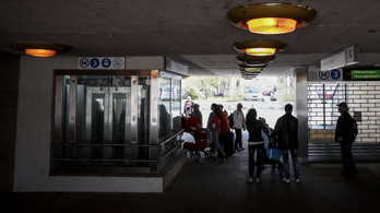 Néhol még igen foghíjas a felújított hármas metró