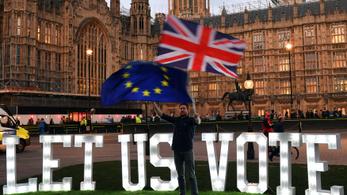 Egyéves halasztást is kaphat a brexit