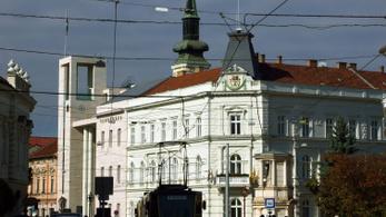 25 éve a szocialistáké a miskolci körzet, a Fidesz-közeli jegyző megszüntette