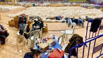 A török ellenzék a szavazólapokon alszik, nehogy a rezsim elvegye a győzelmét