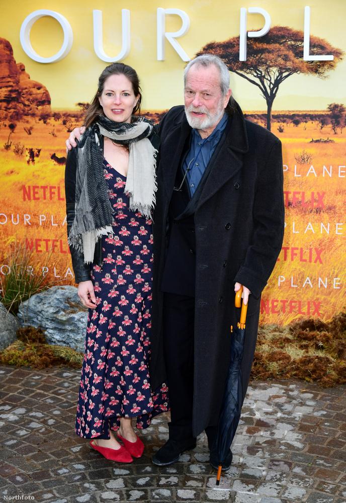 Itt pedig Terry Gilliam filmrendező és egykori Monty Python-tag látható feleségével, Holly Gilliammel