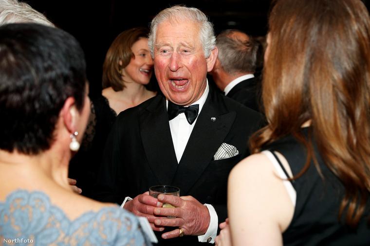 Ez a kedvencünk, Károly herceg nagyon kacag éppen.