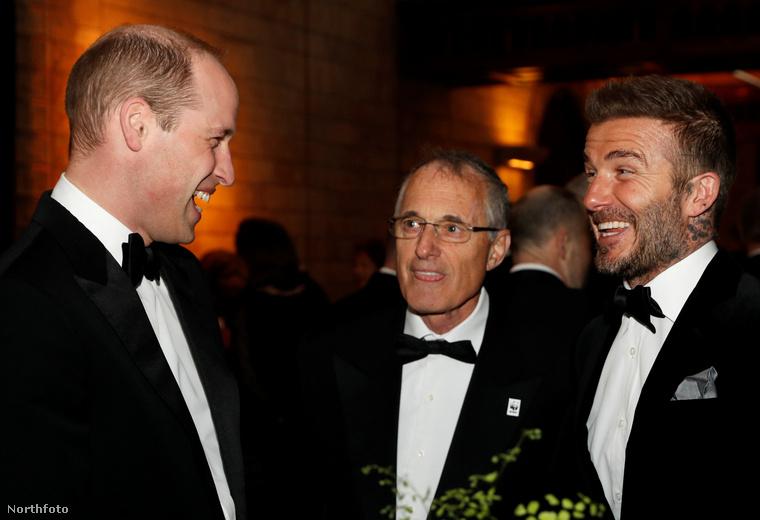 Itt pedig Vilmos herceg és David Beckham nevet jóízűen valamin