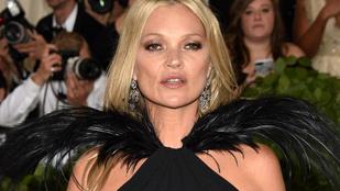 Pikáns képpel ünnepli Kate Moss a 40. British Vogue címlapfotóját