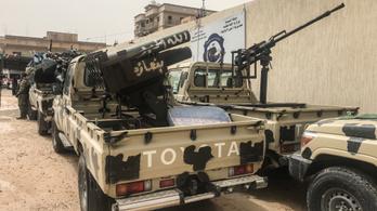 Egy líbiai hadúr megindította csapatait Tripoli ellen