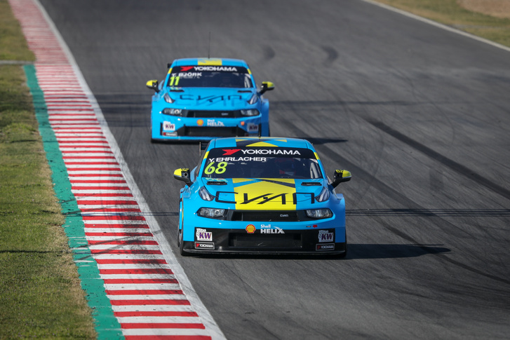 A Cyan Racing alapszínét nem kell magyarázni, a két Lynk & Co-csapatot leginkább a motorházra festett sárga részről lehet majd megkülönböztetni