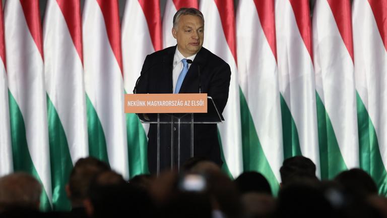Orbán hétpontos bevándorlásellenes programot hirdetett