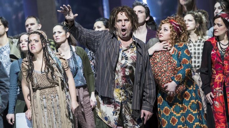 Ókovács kérésére afroamerikainak kell vallaniuk magukat az Opera énekeseinek