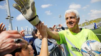 73 évesen védett profi meccsen a világ legidősebb kapusa
