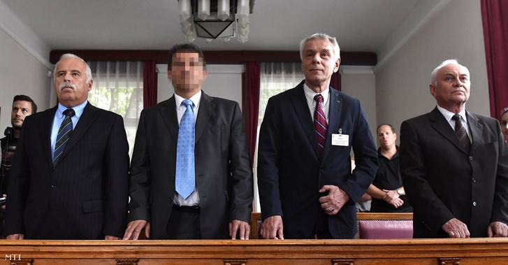 Galambos Lajos, a Nemzetbiztonsági Hivatal (NBH) volt főigazgatója, elsőrendű (j), Szilvásy György, a Gyurcsány-kormány titokminisztere, másodrendű (j2), P. László, egy biztonsági cég vezetője, harmadrendű (b2) és Laborc Sándor, a Nemzetbiztonsági Hivatal (NBH) volt főigazgatója, negyedrendű vádlott (b) az úgynevezett kémper tárgyalásán a Kúria tárgyalótermében 2018. május 29-én