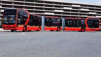 Akár 250 utas elfér a kínaiak új óriási buszán