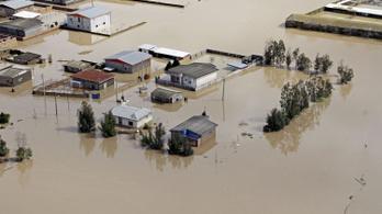 Trumpot okolja az áradások miatt Irán