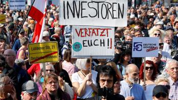 Az albérletárak megregulázásáért tüntetnek Németország-szerte
