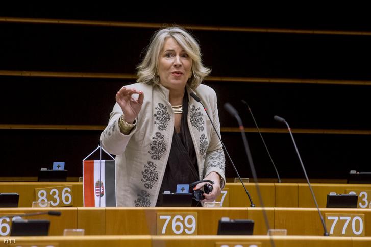 Morvai Krisztina európai parlamenti független képviselő felszólal a jogállamiság magyarországi helyzetéről tartott vitán a parlament plenáris ülésén Brüsszelben 2019. január 30-án.