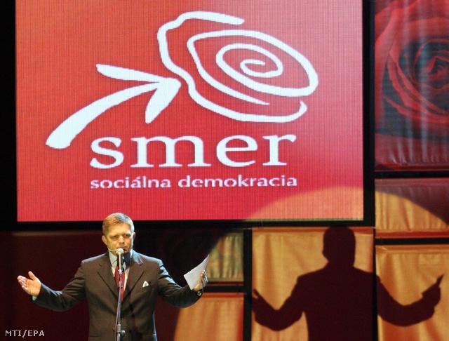 Robert Fico volt szlovák miniszterelnök, az ellenzéki baloldali Smer (Irány-Szociáldemokrácia) párt elnöke kampányzáró rendezvényen