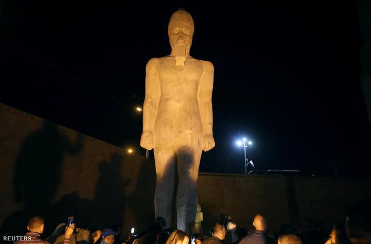 II. Ramszesz ókori fáraó szobra 2019. április 5-én.
