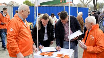 A Fidesz és a Jobbik is elsőként adta le az ajánlószelvényeket
