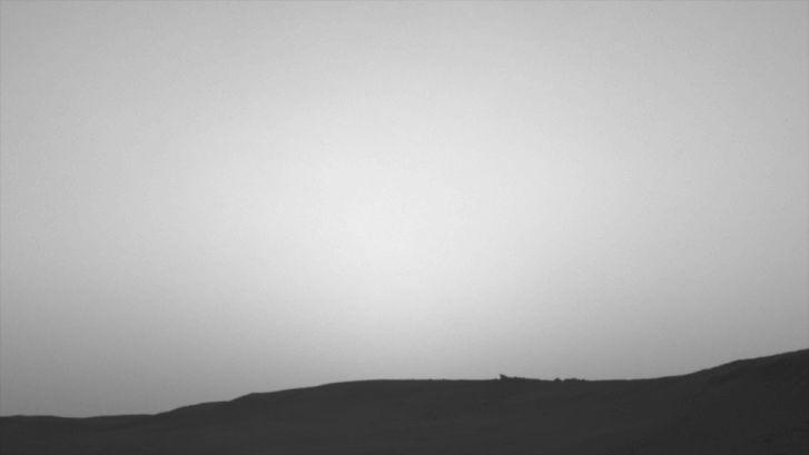 A Phobos átvonulása a Nap előtt érzékelhetően hatással volt a marsi fényviszonyokra