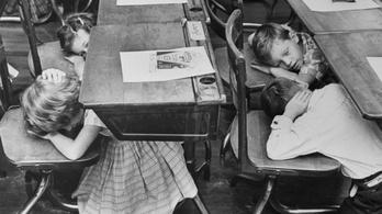 Az atomháborúra készülve sok ezer amerikai gyerekre tetoválták rá a vércsoportját