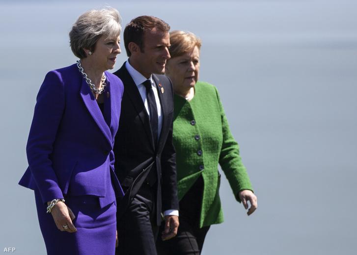 May, Macron és Merkel 2018-ban a G7 csúcson