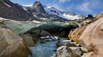 Évente 335 milliárd tonna jég olvad le a gleccserekről