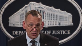 Trump kirúgta a titkosszolgálat vezetőjét