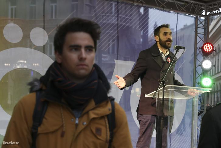 Vágó Gábor felszólal az LMP 2019. március 15-i rendezvényén, Budapesten