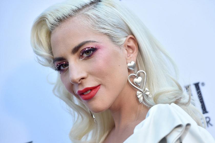 Lady Gaga édesanyja irtó csinos nő - Nagyon hasonlítanak egymásra a lányával