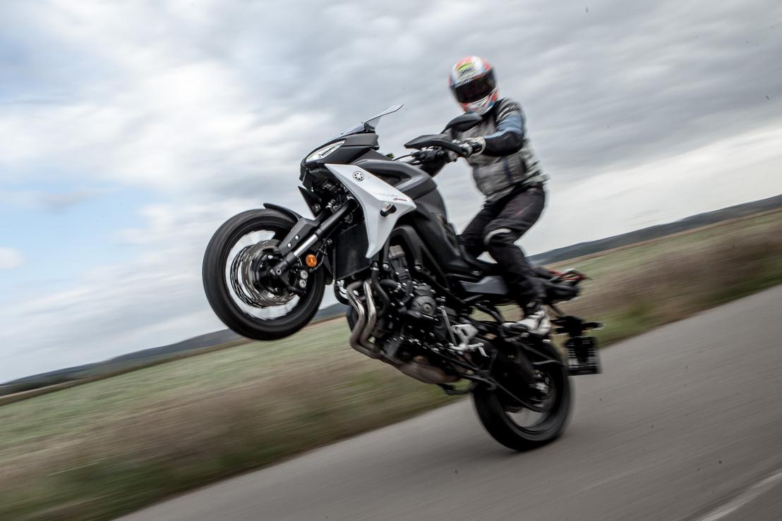 Sok motorral lehet ilyet csinálni, de csak kevés motor kívánja