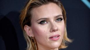 Scarlett Johansson annyira megrémült az őt követő paparazzóktól, hogy  rendőrségre menekült
