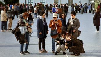 327 ezer külföldi jött Magyarországra februárban
