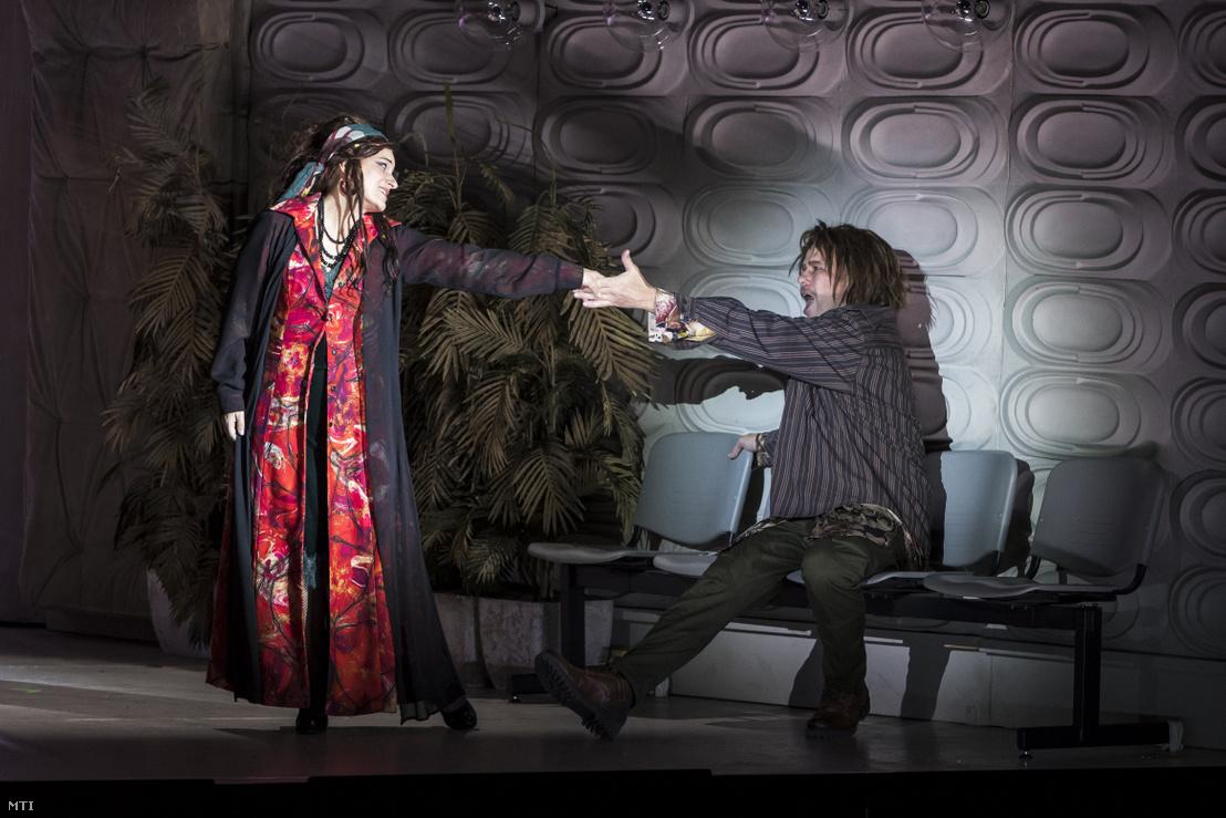 Létay Kiss Gabriella (b) Bess és Palerdi András (j) Porgy szerepében