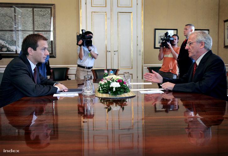Bajnai Gordon miniszterelnök és Sólyom László köztársasági elnök 2009-ben