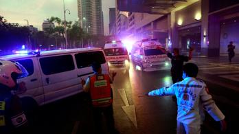Kigyulladt egy bevásárlóközpont Bangkokban, legalább ketten meghaltak
