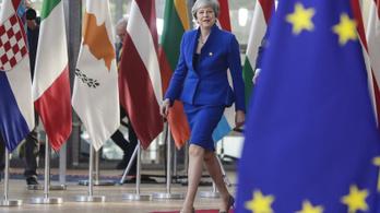 Elhalasztják a brit kilépést, de csak ha jól viselkedik Nagy-Britannia