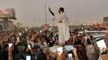 Nő lett a szudáni kormányellenes tüntetések ikonja