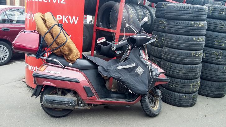 A Szentmihályi úton 0-24-ben javítanak motorgumit