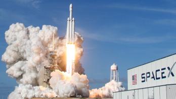 Mindjárt kilövik az évezred legerősebb rakétáját