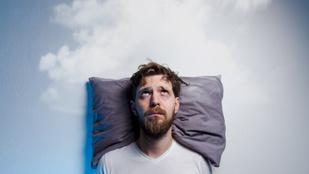 Álmatlan éjszakákat okoz, ha gyerekként nem szerettek
