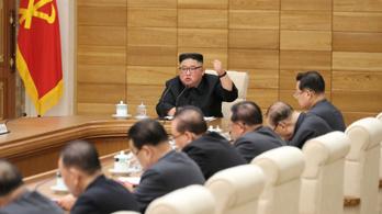 Kim Dzsongun szerint az önellátás lesz az új fegyverük