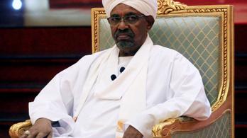 Letartóztatták a szudáni elnököt, a katonaságé a hatalom