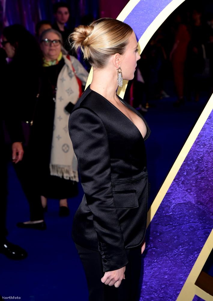 Nem sikerült betekintést nyernie a színésznő ruhája alá.