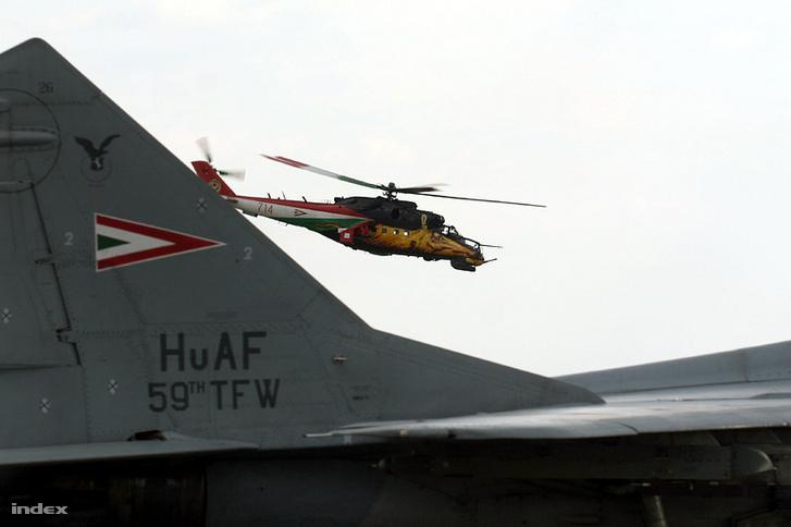 Golden Hind, a szarvastehenes festésű Mi-24 a 2008-as kecskeméti repülőnapon