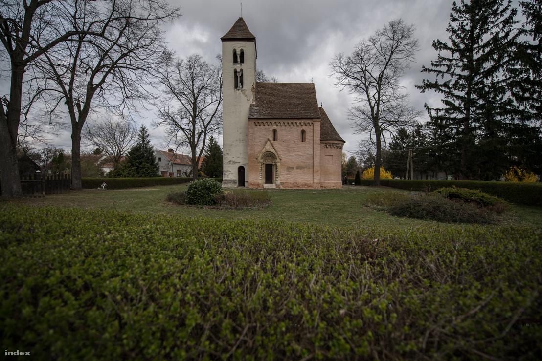 Csempeszkopács, Szent Mihály-templom