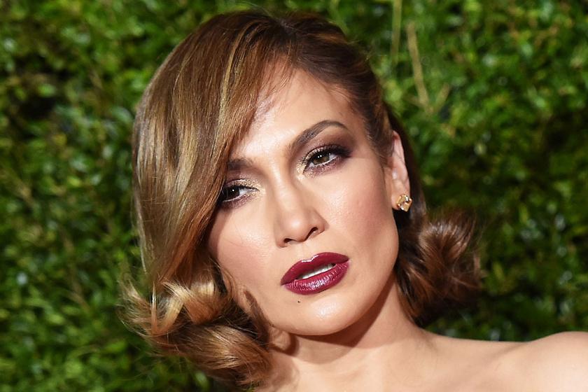 Jennifer Lopez smink nélküli fotója - Így néz ki, ha nincs rajta több réteg festék