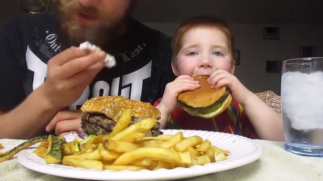 2019-04-11 14 56 46-ASMR Eating Fast Food - Orcutt Burger (Fathe