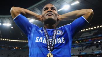 A Twitterről tudta meg a Chelsea BL-győztese, hogy kirúgták